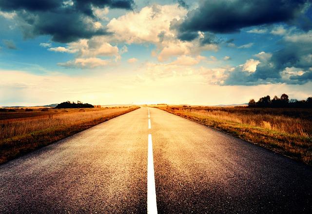 road-1747457_640